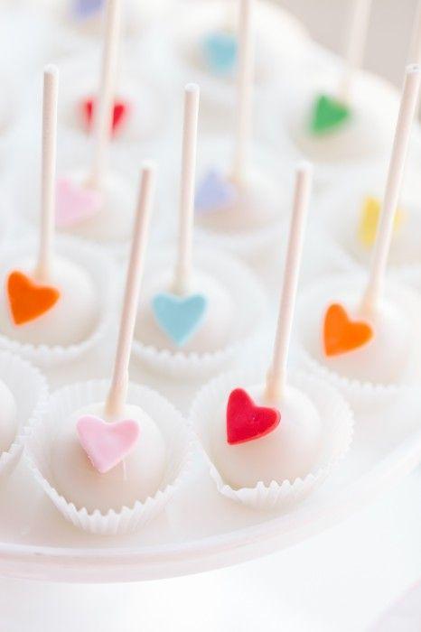#DIY Rainbow heart cake pops