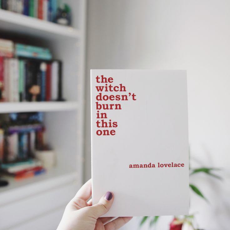 livro de poemas the witch doesn't burn in this one da amanda lovelace  #books #melinasouza #poetry