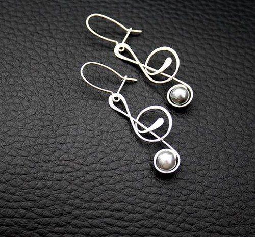 Wire Earrings Trebble cleff Přívěsek-HOUSLOVÝ KLÍČ(delší)-tepaný-hypoalergenní / Zboží prodejce Charliee   Fler.cz