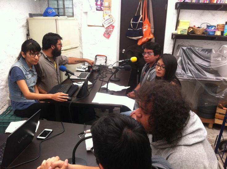 Karla, Misael, Alberto, Vanessa, Miguel Ángel   Interruptus Radio Segunda Temporada, Programa 2. Materia Enseñanza de la Historia. FFyL UNAM