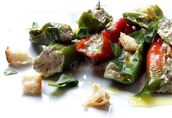 Friggitelli con crema delizia alle olive