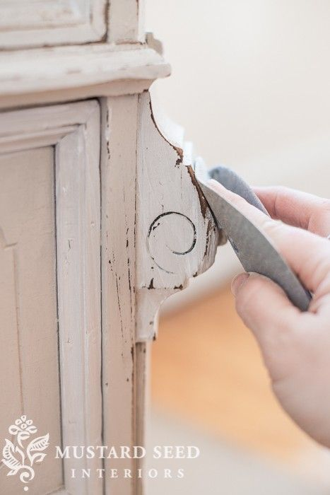 IN CASE YOU MISSED IT | distressing painted furniture | Miss Mustard Seeds Milk PaintMiss Mustard Seeds Milk Paint