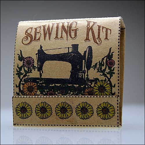 Matchbook Sewing Kit (with pattern) - MISCELLANEOUS TOPICS: Sewing Kits Tutorials, Crafts Ideas, Matchbook Sewing, Sewingcraft Materials, Printable Sewing Patterns, Matchbook Style, Crafty Things, Matchbook Crafts, Paper Crafts
