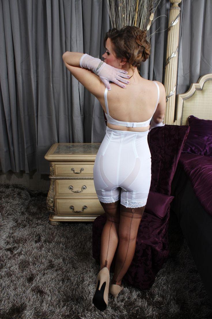 панталончики под платьем фото - 10