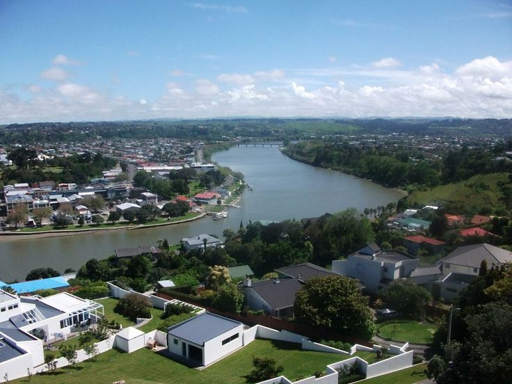 A nice picture of Whanganui City to up river from the top of the Durie Hill Elevator. On a more clearer day you can see Mount Ruapehu.
