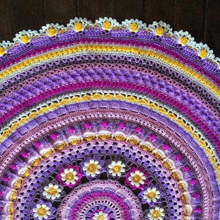 Crochet Patterns For Mandala Yarn : 167 best images about Crochet Mandala on Pinterest