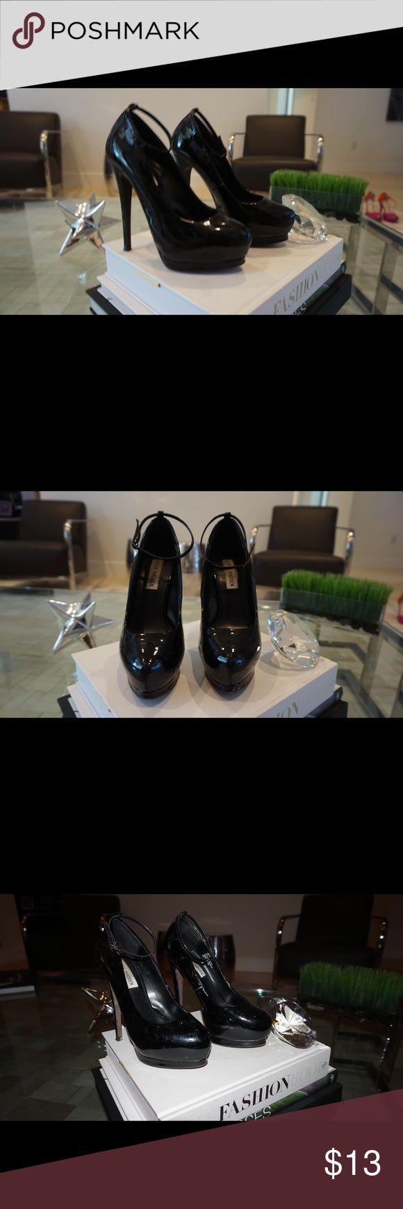 Steve Madden extreme high heel Steve Madden extremely high heel. Steve Madden Shoes Heels