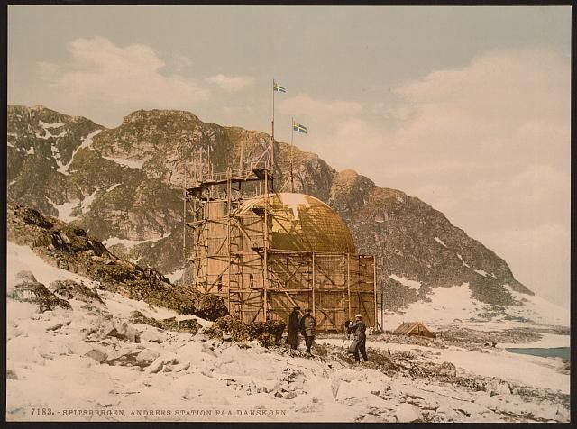 Andree's Station at Danskoen (i.e., Danskøya), Spitzbergen, Norway ca 1890-1900  Danskøya er ei øy på Svalbard. Den ligger like nordvest av Spitsbergen, den største øya i øygruppen og like ved Magdalenefjorden. Til denne øya ligger også Albertøya i sør bare atskilt av det meget smale Albertsundet.