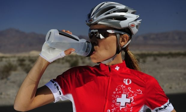 Looking to drop pounds in 2014? Replace sodas & other high-calorie drinks with H2O!