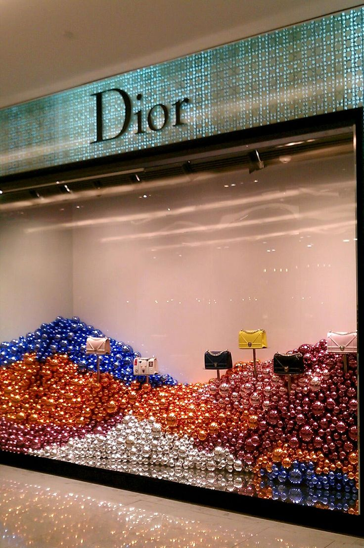 Dior Christmas Windows, Emporium Bangkok | Window Display @ Bangkok, Thailand