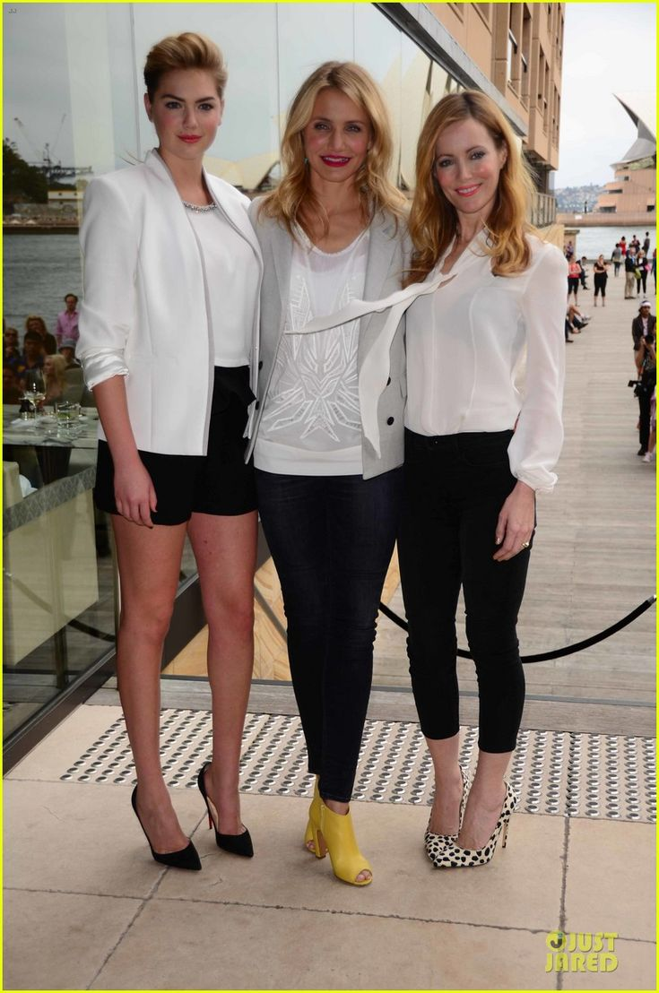 Cameron Diaz, Kate Upton in a J Brand blazer, and Leslie Mann in an Honor top and Bionda Castana heels.