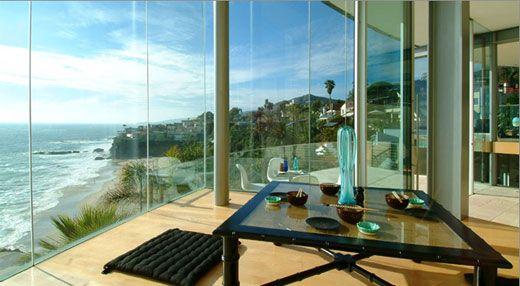 Mıktanıslı cam balkon sistemleri ile artık daha iyi bir balkon elde edeceksiniz. Daha fazlası için sitemizi ziyaret edebilirsiniz.