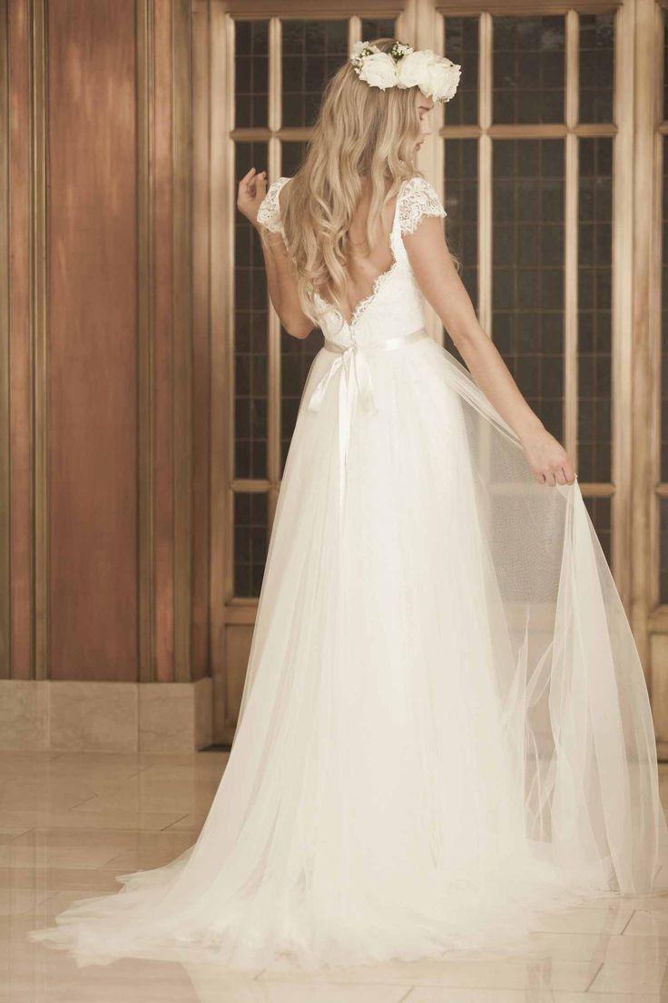 Lisa robertson in wedding dress - Wedding Dress Accessories By Lisa Gowing