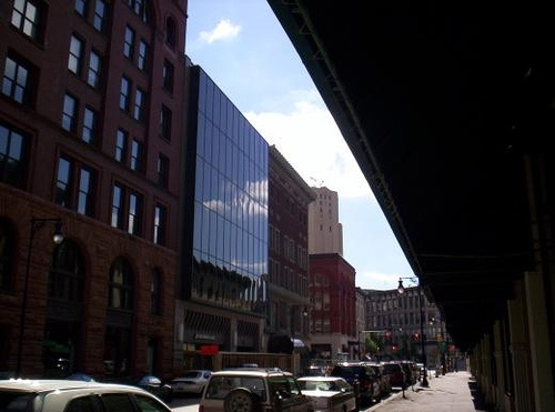 Ottawa Ave & Fountain; the glass building in the center is now Macatawa Banks - 2005
