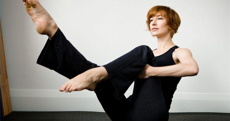Como alongar o músculo psoas. Embora as classes de alongamento pouco mencionem o músculo psoas pelo nome, ele é um dos mais importantes no corpo. Unindo a parte inferior das costas e a parte interna da coxa, o músculo psoas é responsável pelo movimento das pernas e flexibilidade da coluna vertebral. O psoas tenso é, muitas vezes, a causa de dores lombares, dores no joelho, ...