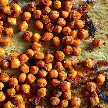 Turn chickpeas into a sweet, healthy treat to keep at your desk or eat in the morning with this recipe! We show you how to bake this superfood into a treat that tastes just like Cinnamon Toast Crunch without the guilt of lots of sugar!