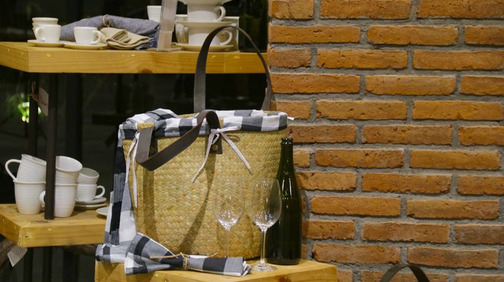 Beach pic-nic bag, complete with a blanket, wine glasses and plates. Signature wine accessories of Hatten Wines, Bali.  Find them at The Cellardoor, wine lifestyle boutique.