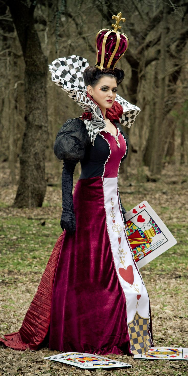 """""""Alison Wright as the Queen of Hearts. www.beingalison.com/how-to-make-queen-of-hearts-costume-with-savers"""""""