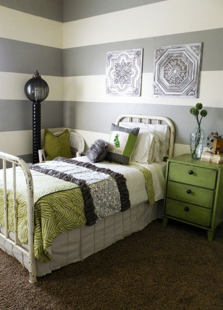 adorable bedspread. green and black, grey striped room