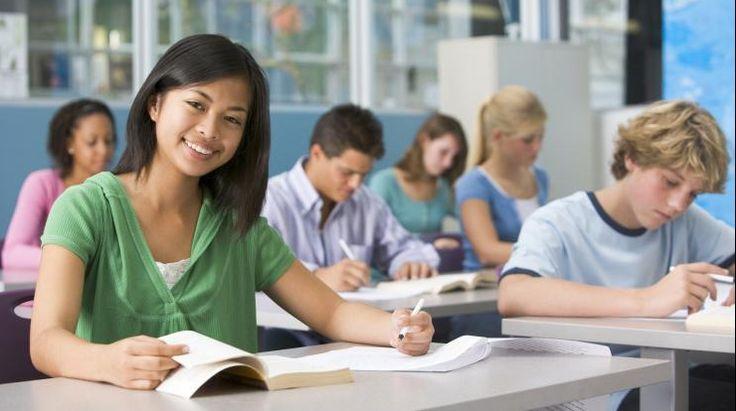 Cât costă un an de studii la un liceu din străinătate - http://www.eromania.pro/cat-costa-un-an-de-studii-la-un-liceu-din-strainatate/?utm_source=Pinterest&utm_medium=neoagency&utm_campaign=eRomania%2Bfrom%2BeRomania