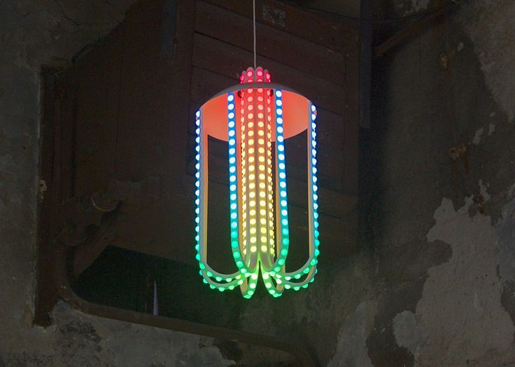 Lamp based on jellyfish by Dennis Parren.