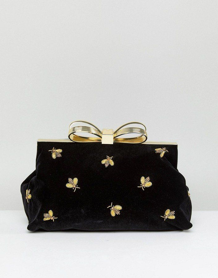 28 Chic Clutches That Are Perfect For Your Holiday Party b3936eece790