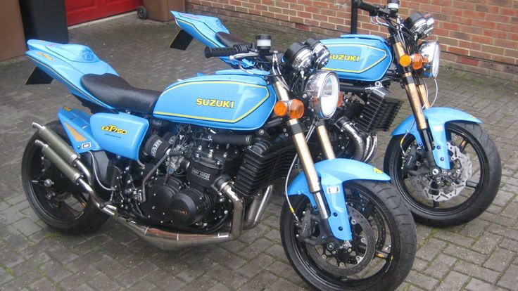 The Kettle Club will have its usual high standard of bikes on display at the Classic Bike show this weekend at Stafford. Launching its 2011 Calendar it will havetwo stunning Kettles that have
