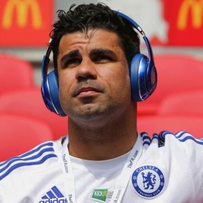 Best English Premier League Players of 2017:      Diego Costa:    Diego da Silva Costa, is a Spanish professional footballer who plays as a striker for English club Chelsea and the Spain national team.