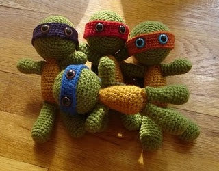 Free TMNT crochet pattern @Codi Maroussi Maroussi Maroussi Gauger.  LOVE these, can someone make these for me? :)