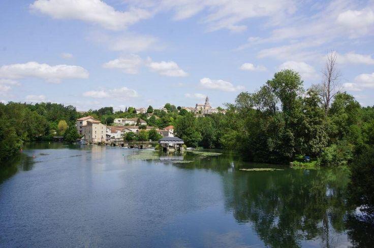 Village labellisé de pierres et de vignes Saint-Simeux Charente