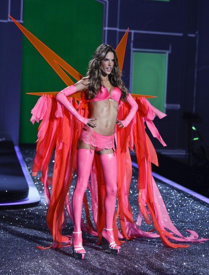12 of Alessandra Ambrosio's Hottest Victoria's Secret ...