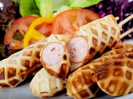 Gaufres à la saucisse (façon hot dog) - Recette de cuisine Marmiton : une recette