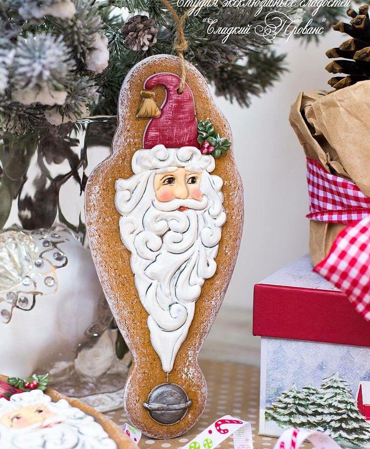 На улице лето-лето, а я тут опять с Новым Годом))))))) но работа требует)))))))  Елочная игрушка Дед Мороз. Еще один герой однодневной базовой программы.  #мктатьянысвирко #имбирныепряники #gingerbread #galletas #icingart #icing #пряник #имбирноепеченье #дедмороз #мк #mk
