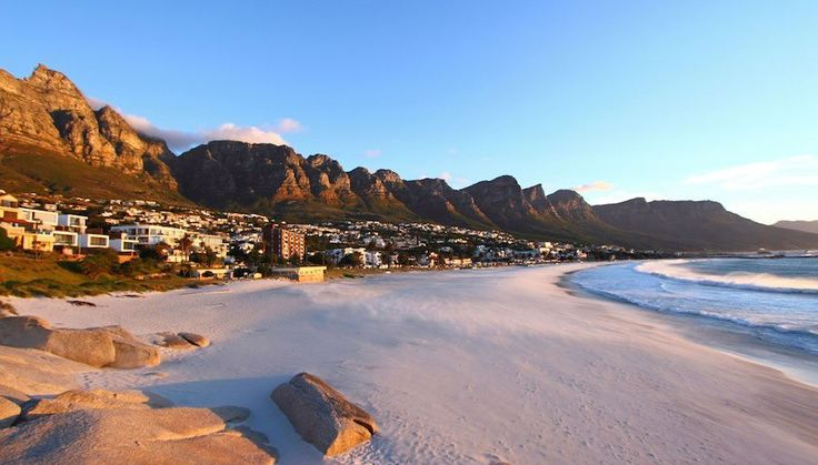 Your Guide to Camps Bay Holiday Rentals & Luxury Accommodation.     Cape Town Vacation Rentals - Serviced & Furnished Holiday Homes, Villas, Bungalows and Apartment Rentals throughout the Western Cape.