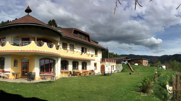 Urlaub mit Weitblick im ersten Ökohotel Österreichs BIOLANDHAUS ARCHE in Kärnten http://media1.clearingstation.de/2551/196316.jpg/1920x1080s