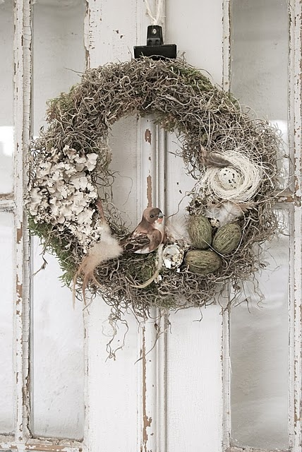 Spanish Moss+lichen+bird eggs and bird=awesomeness on a wreath form