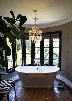 A Piedmont Skirted Tub Purchased At Living Square In Los Angeles