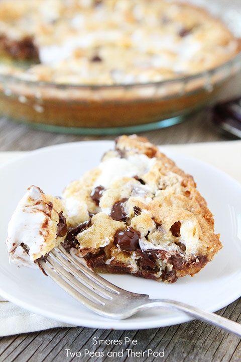 Easy S'mores Pie Recipe on twopeasandtheirpod.com #recipe