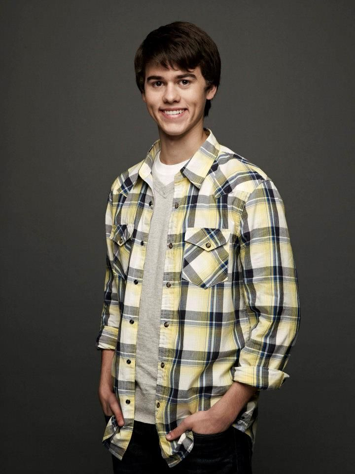 John Luke Robertson is Willie Robertson's oldest son. Both are stars on the hit reality tv series called Duck Dynasty. Continue reading below where I attempt to help you learn more about John Luke Robertson.  John Luke was introduced in the very f