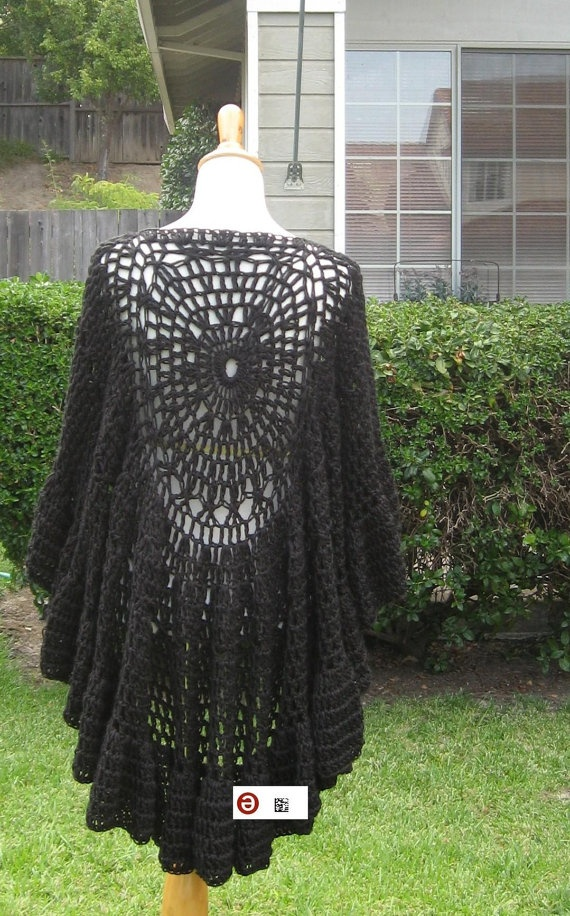 BLACK CAPELET PONCHO Crochet Fashion Chic Victorian by marianavail, $75.00