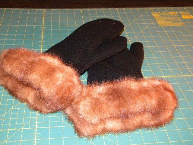 HOW TO MAKE FUR LINED MITTENS
