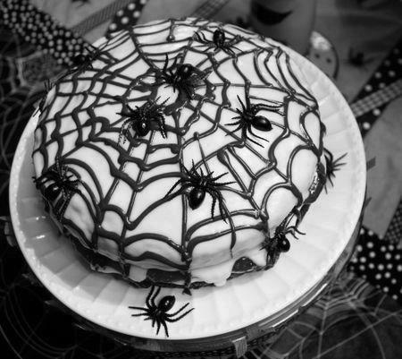 Gothic Geburtstagstorten   Kuchen Gothic Gothic Geburtstagstorte Spiderweb Spinne süß   – Was ich noch machen muss [backen]