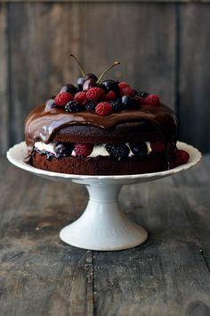 Tarta Selva Negra con frutos rojos (La Receta de la Felicidad)