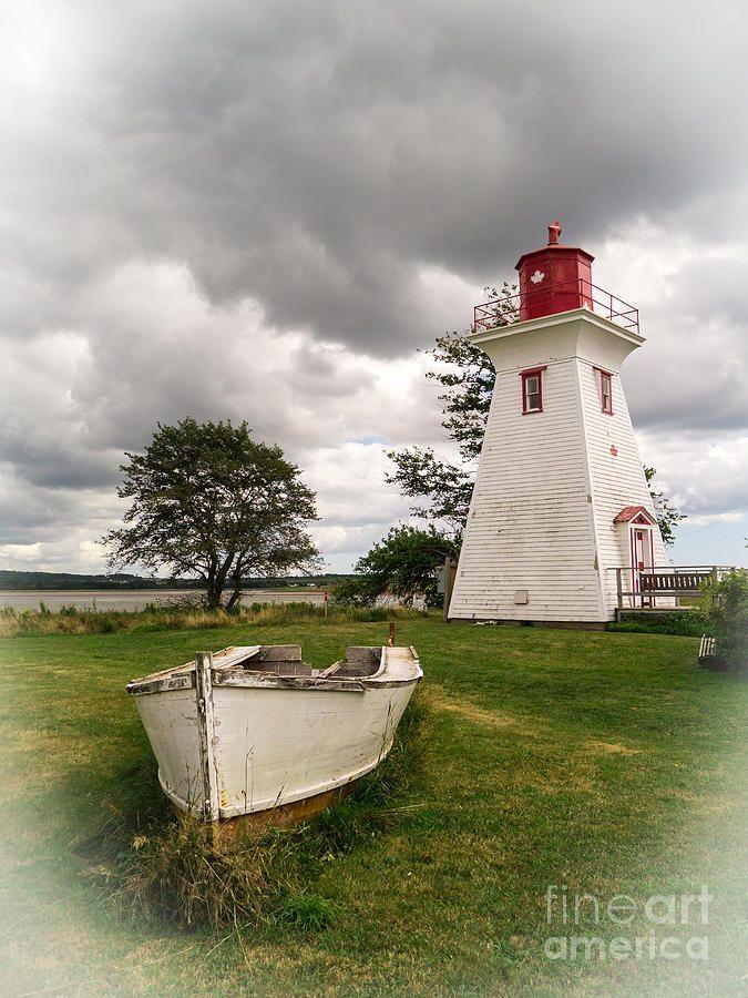 Faro de Victoria por el mar - isla del Príncipe Eduardo, Canadá