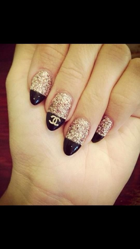 have the black part follow the shape of the nail instead of straight across