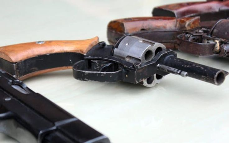 Bak Mau Perang, Peserta Kongres HMI Bawa Senjata Api - http://www.rancahpost.co.id/20151145378/bak-mau-perang-peserta-kongres-hmi-bawa-senjata-api/