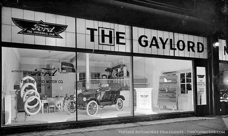 Automobile Dealerships from the Twenties through the Fifties | The Old Motor