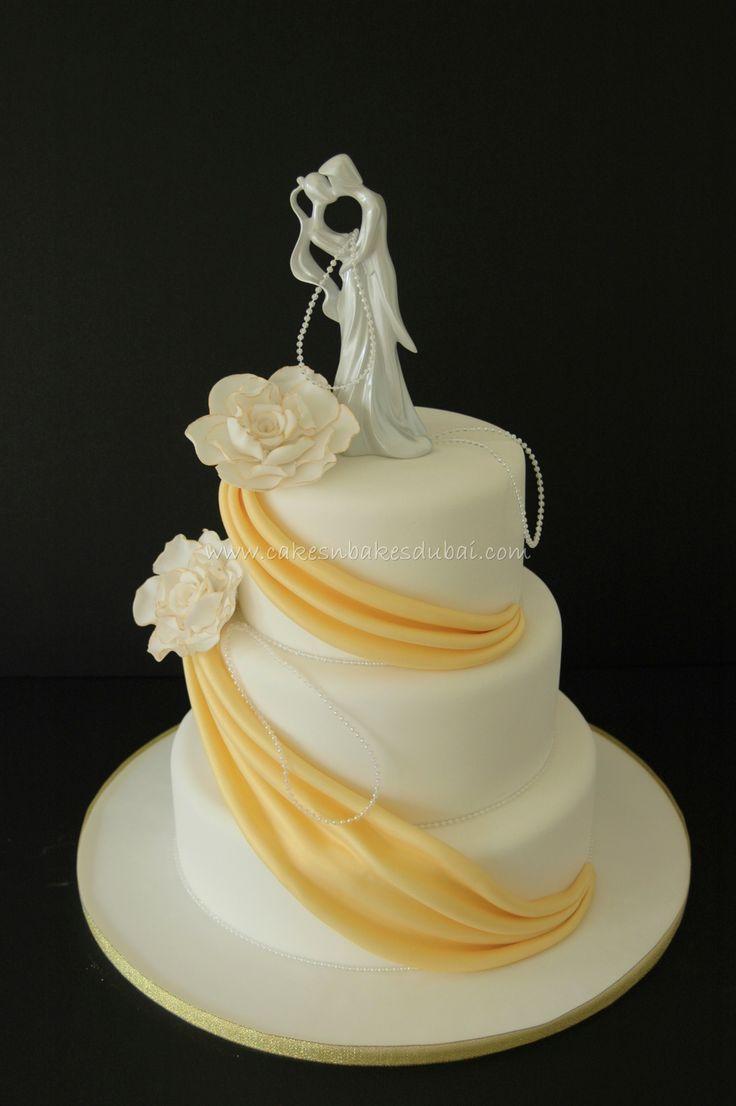 Gold u0026 White Wedding Cake with Couple
