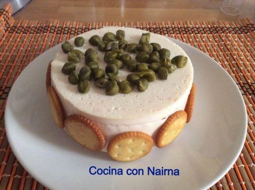 Tarta de salmón y philadelphia para #Mycook http://www.mycook.es/receta/tarta-de-salmon-y-philadelphia/