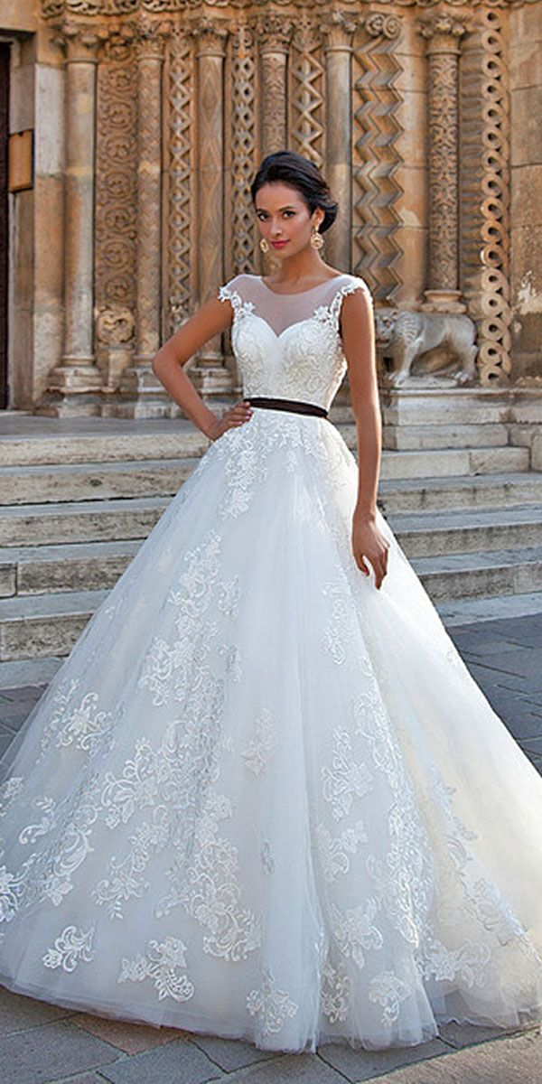 Can you try on wedding dresses for fun catalogs online size
